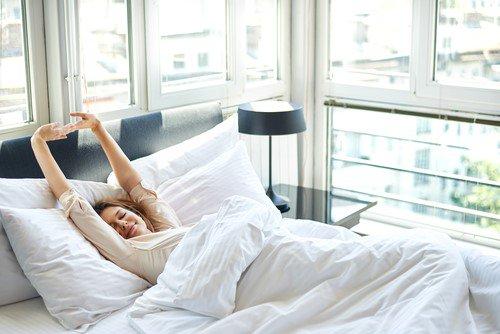 モットンなら諦めていた腰痛も改善可能!?驚きの寝心地と効果を体験してみた