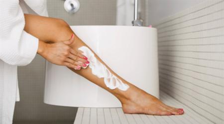 除毛クリームの効果のウソ・ホントを解説!効果的な使い方でスベ肌GET