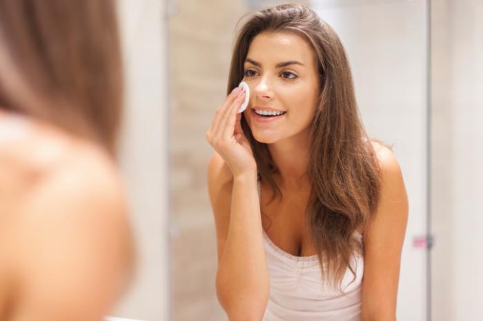 毛穴を目立たなくする洗顔ランキング15選!黒ずみや開きをケアするおすすめは?