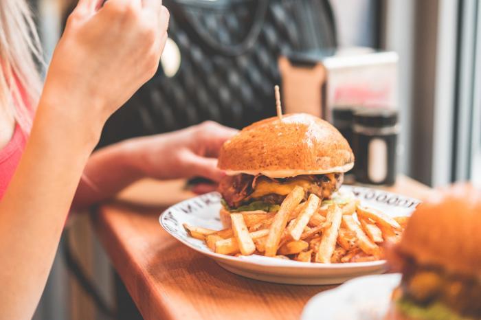 内臓脂肪減らすサプリって効果あるの?口コミで人気のサプリ8選