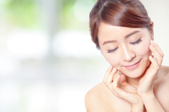 生理前の肌荒れにおすすめの化粧水TOP5!原因から予防対策まで徹底解説